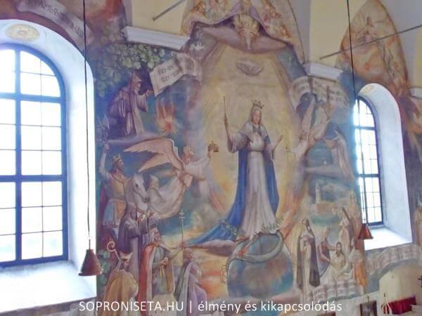A Pálos templom freskói.